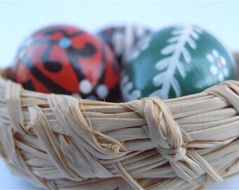 Vintage Miniature Easter Eggs Wooden Figurine Natural Woven Mini Basket Red Black Green black White Paint Straw Nest Folk Villacollezione