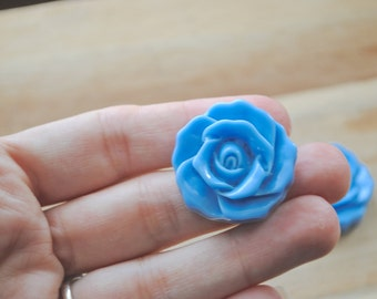 SALE -  Large Cabochon Resin Flower Charm / Pendant - Set of 3-