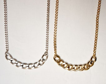 Minimal long necklace with chains in gold or silver color