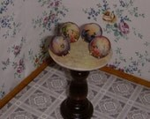 dollhouse scale plate or picture easel stands