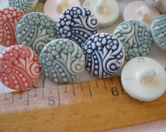 """Gorgeous carved flower shank buttons 3/4"""" 30L 19MM plastic blue red or mint on off white 6 pieces retro paper tag supply shabby"""