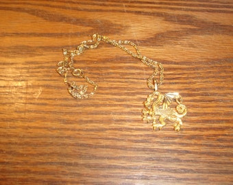 vintage necklace goldtone chain dragon
