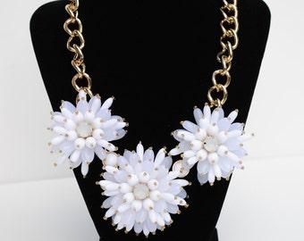 Dahlia White Flower Necklace