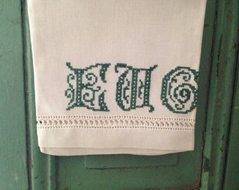 Vintage Old Set of 3 Creamy Linen Embroidered Towels Initials EWC