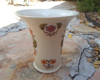 Vintage East German Vintage Porcelain Flower Design Vase