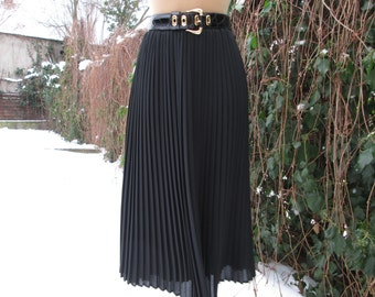 Long Pleated Skirt Vintage / Maxi / Black / Size EUR44 / UK16 / Big / Large