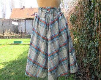 Beautifull Cotton Skirt Vintage / Size EUR42 / UK14