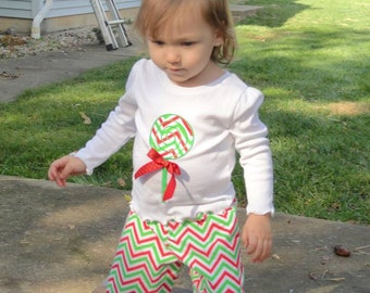 Christmas chevron pants outfit with lolipop