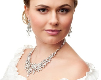 Bridal pearls necklace. Bridal pearls and crystal necklace. Bridal vintage style pearls necklace. Old Hollywood crystal necklace.
