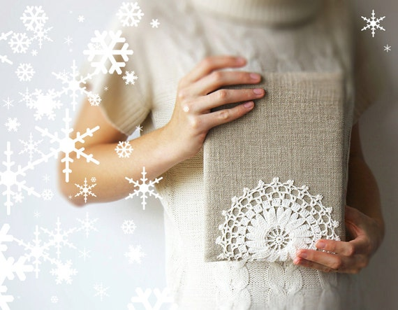 Rustic iPad sleeve - Romantic - Crochet lace - Linen - Snowflake