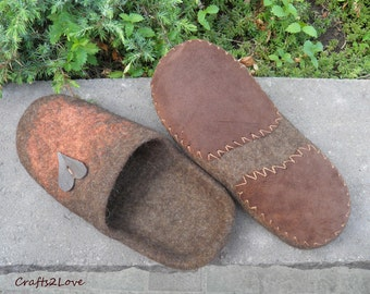 Gift for him, Felted slippers, men wool slippers with leather soles, Brown, orange, heart, slip on warm bathroom slippers, Made to order