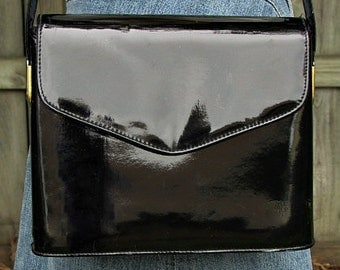 vintage 60s black patent shoulder purse bag Almondo Original mod scooter girl mad men