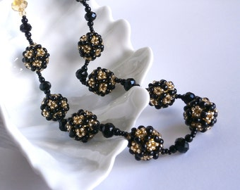 Beaded Bead Necklace, Black Gold necklace Vintage Style Fashion Necklace