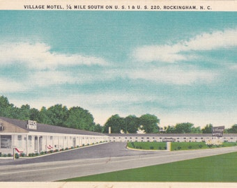 Rockingham, North Carolina, Village Motel - Linen Postcard - Unused (DD)