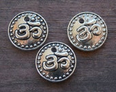 Silver Om Charms, Round, Coin Charm, Antiqued Silver, 15mm, 20 pcs