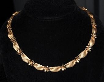 trifari golden floral necklace