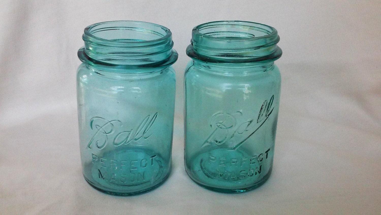 vintage aqua blue mason jars ball mason jars pint size. Black Bedroom Furniture Sets. Home Design Ideas