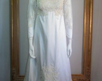 Vintage 1960's William Cahill Cream Empire Waist Wedding Dress and Matching Veil - Size 2