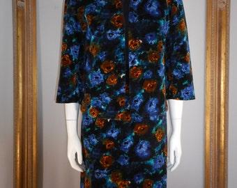 Vintage 1960's Blue Floral Printed Velvet Suit - Size 14