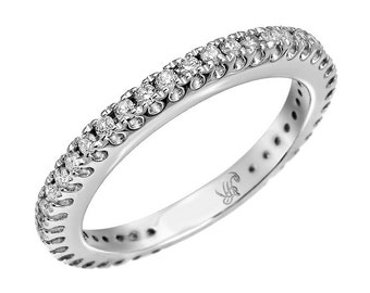 0.40ct DIAMOND ETERNITY RING in 14k White Gold