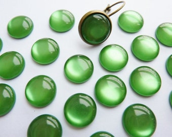 20 acrylic cabochons, Ø10mm, silky green, round