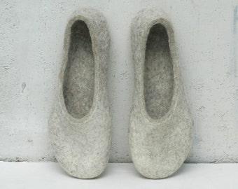 Felted slippers Women slippers Home shoes Charcoal grey Dark grey Beige Natural Unisex Valenki Women winter shoes 100% wool Woolen clogs