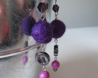 Boucles d'oreilles mauve en acier inoxydable (hypoallergique) / Purple stainless steel earrings (Hypoallergic)