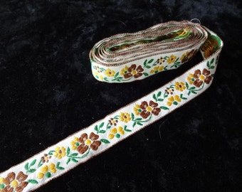 Pretty Vintage Embroidered Trim