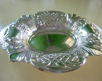 Viners of Sheffield Alpha Silver Plated Trinket Dish