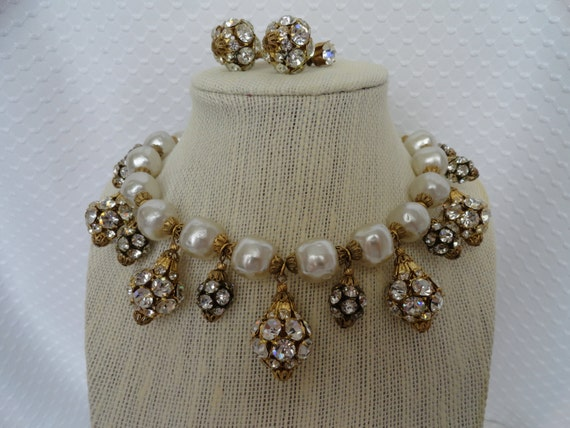 Fabulous, Dangle Rhinestone Clusters, paired with Dimpled Faux Pearl, Demi Parure.