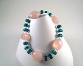 Green and pink Beaded Bracelet  stretch bracelet Emerld Green coral Pink beaded Bracelet .
