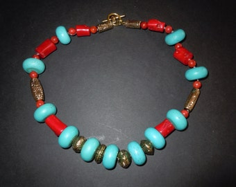 Cheerful chunky turqouise and coral Necklace