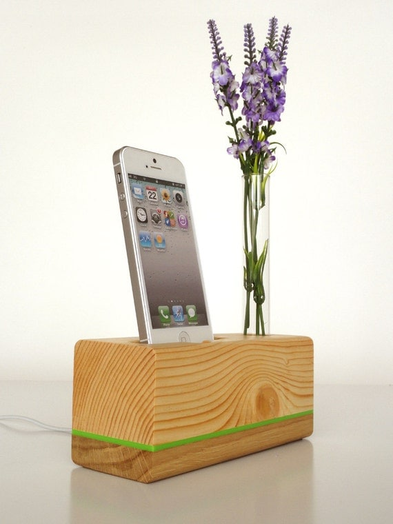 decorative charging station iphone dock plus vase charging station station 3118
