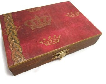 Crowned Jewelry Box