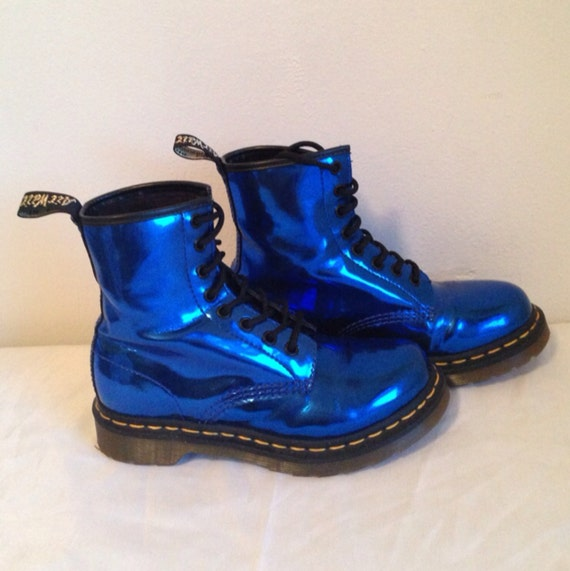 incroyable bleu m tallique doc martens bottes chaussures. Black Bedroom Furniture Sets. Home Design Ideas