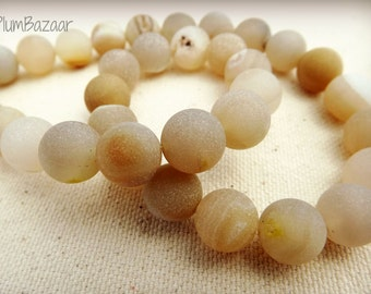 Agate drusy beads, cream beige 10 mm round beads, 16 inch strand