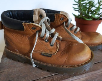 Cute Kids Doc Martens Brown Leather Dr Martens Kids Size 12 - Floyd Jones Vintage