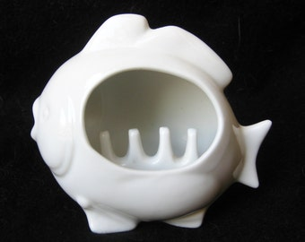 Vintage 60s White Porcelain Fish Novelty Ashtray