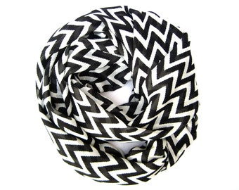 Chevron Scarf, Black and White Scarf, Circle Scarf, Endless Loop Scarf, Womens Tube Scarf, Infinity Scarf, Teen Gift, Ready to Ship