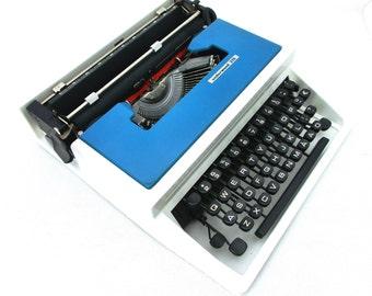 Vintage Typewriter Blue / Turquoise / White, Manual Typewriter Underwood 315, Office Home Decor, Working Typewriter, Travel Typewriter 70's