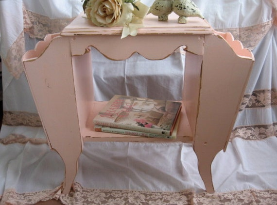 shabby chic pink magazine rack coffee table end table. Black Bedroom Furniture Sets. Home Design Ideas