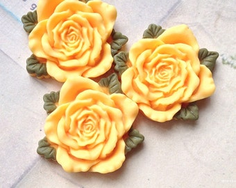 40 mm Yellow Resin Rose Cabochon  (t.t)