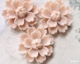 26 mm Tan Brown Chrysanthemum Resin Flower Cabochons (B)(.gm).