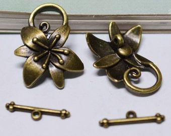 Toggle Clasps -10 sets 24x30mm Antique Bronze Flower Leaf OT Toggle Clasps F209-2