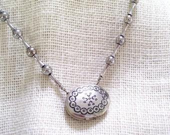 Vintage Chunky Southwestern Estée Lauder Solid Perfume Necklace Locket Jewelry