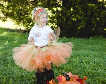 Baby Pumpkin tutu-- Pumpkin tutu -- Halloween tutu -- Fall tutu -- Pumpkin dress-- Babies first Halloween-- Fall dress-- Pumpkin bow