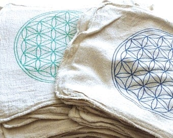 Crystal Grid Cloth -- FLOWER OF LIFE --- all natural --- 100% cotton, sacred geometry grid template
