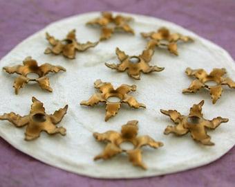 Brass Flowers, Brass Stampings, Brass Flower Stampings, Metal Stamped Flowers, Vintage Metal Flowers, Vintage Style Metal Flowers STA-124