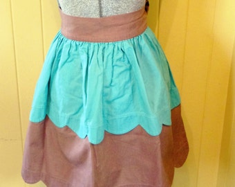 1950s Vintage Apron / Turquoise / Brown / Scalloped
