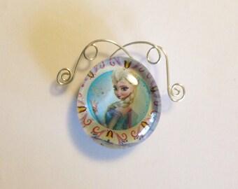Wire Work Elsa Glass Magnet